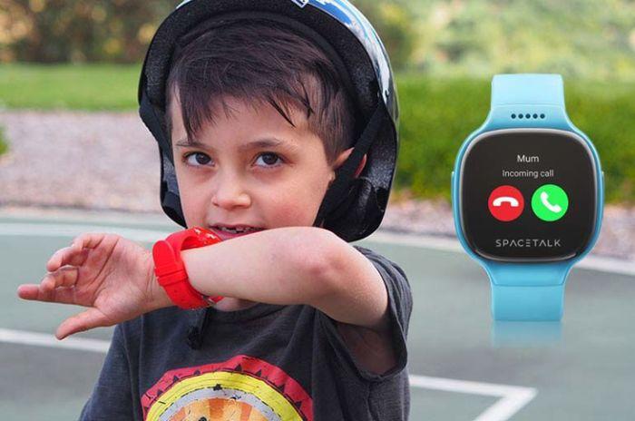 Chiếc đồng hồ gọi điện thoại được sử dụng khá phổ biến trong đời sống xã hội hiện nay